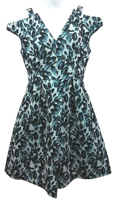 Preload https://img-static.tradesy.com/item/15947920/reiss-printed-cutout-shoulder-blue-fit-and-flare-knee-length-short-casual-dress-size-6-s-0-1-650-650.jpg