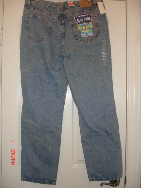 Old Navy Relaxed Fit Jeans-Light Wash Image 3
