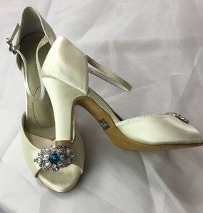 Angela Nuran Antique Wedding Shoes