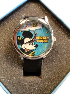 Disney Disney Mickey Mouse collectible leather watch new/warranty
