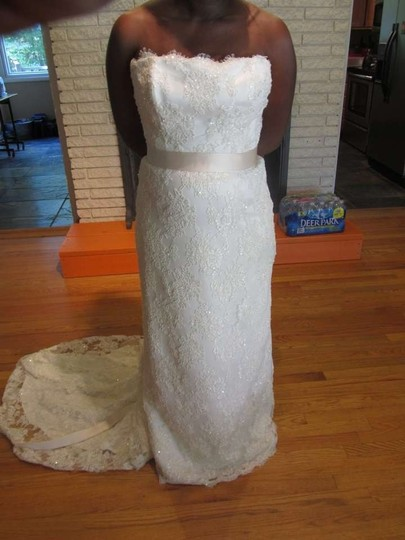 Preload https://img-static.tradesy.com/item/159564/mary-s-bridal-ivory-lace-vintage-wedding-dress-size-12-l-0-0-540-540.jpg