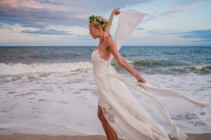 Grace Loves Lace Off White Silk Chiffon Inspired By / Hollie Modern Wedding Dress Size 0 (XS)