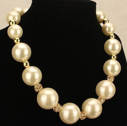 Pearl and rhinestone necklace Pearl and rhinestones chunky Bib Statement necklace, pearl bead necklace