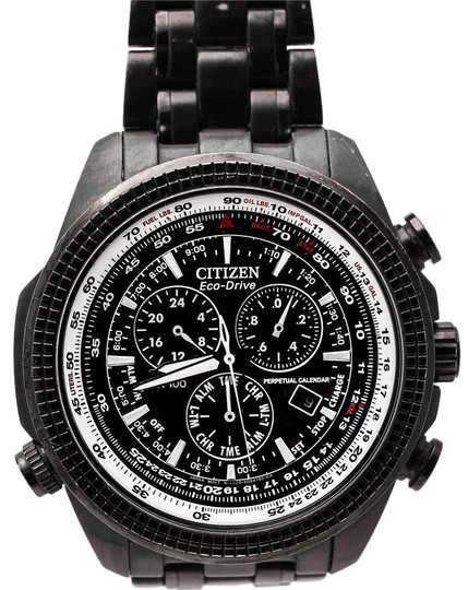 Preload https://img-static.tradesy.com/item/15959062/citizen-black-white-eco-drive-chronograph-wr100-watch-0-1-540-540.jpg