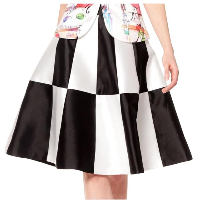 Preload https://img-static.tradesy.com/item/15959737/gracia-black-seam-detail-midi-skirt-size-8-m-29-30-0-1-650-650.jpg