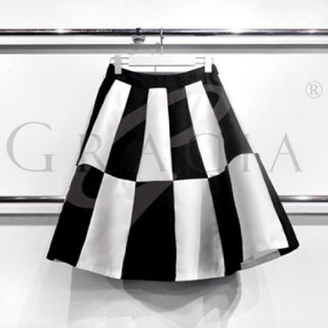 Gracia Skirt Black