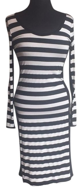 Preload https://img-static.tradesy.com/item/15961264/eight-sixty-black-and-white-above-knee-short-casual-dress-size-4-s-0-1-650-650.jpg