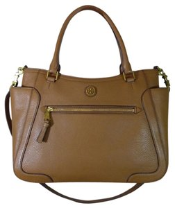 Tory Burch Satchel in Brown/Tan