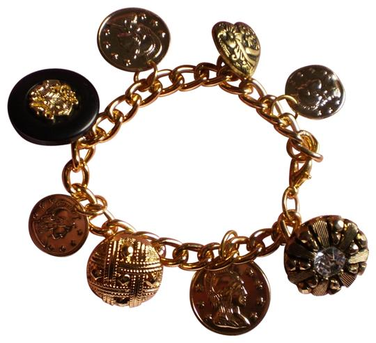 Preload https://img-static.tradesy.com/item/159614/new-buttons-and-coins-charm-bracelet-0-1-540-540.jpg