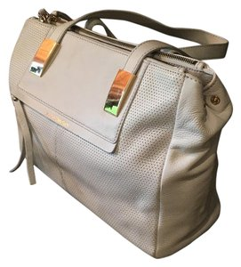 B. Makowsky Tote in White
