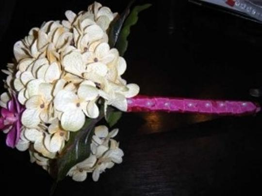 Ivory and Fuchsia Bridesmaid Bouquets