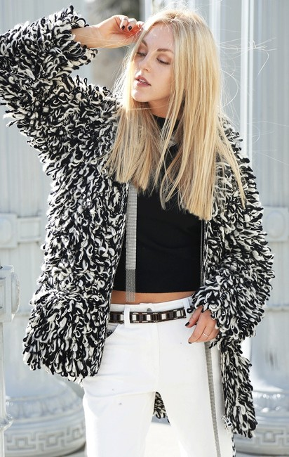 Preload https://img-static.tradesy.com/item/1596324/isabel-marant-black-and-white-loop-wool-cardigan-sweater-size-2-xs-0-0-650-650.jpg