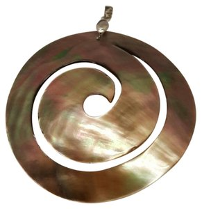 losangelesbeads 60mmx50mm Swirl Shell Necklace Pendant