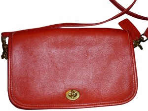 Coach Messenger Classic Traditional Minimalist Designer Cross Body Bag