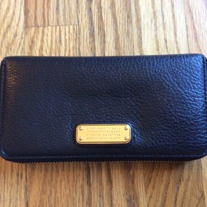 Marc by Marc Jacobs Zippy wallet