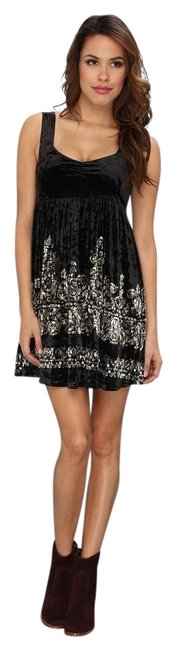 Preload https://item2.tradesy.com/images/free-people-black-crushed-velvet-empire-waist-embellished-printed-underground-above-knee-night-out-d-15966856-0-4.jpg?width=400&height=650
