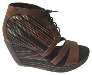 Banfi Zambrelli Brown & Black Wedges