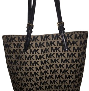 MICHAEL Michael Kors Tote in Black and beige