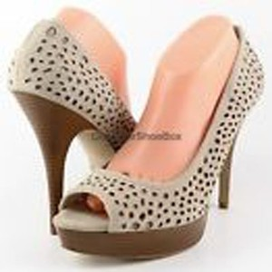 Enzo Angiolini Leather Platform Beige Pumps