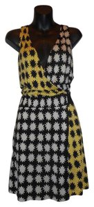 Diane von Furstenberg 100% Silk Wrap Sleeveless Dress