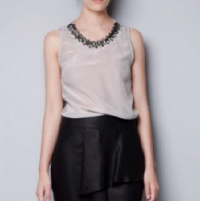 Preload https://item3.tradesy.com/images/zara-pink-jeweled-neckline-embellish-silk-sleeveless-blouse-size-2-xs-15974782-0-0.jpg?width=400&height=650