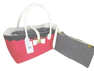 Betsey Johnson In A Quilted Swag Tote in fuchsia