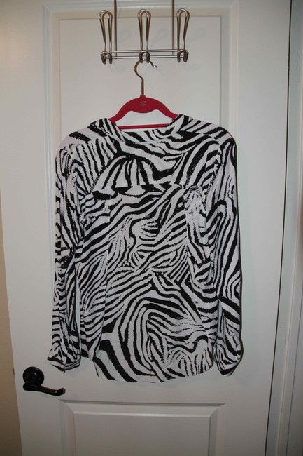 Zara Top Black and white