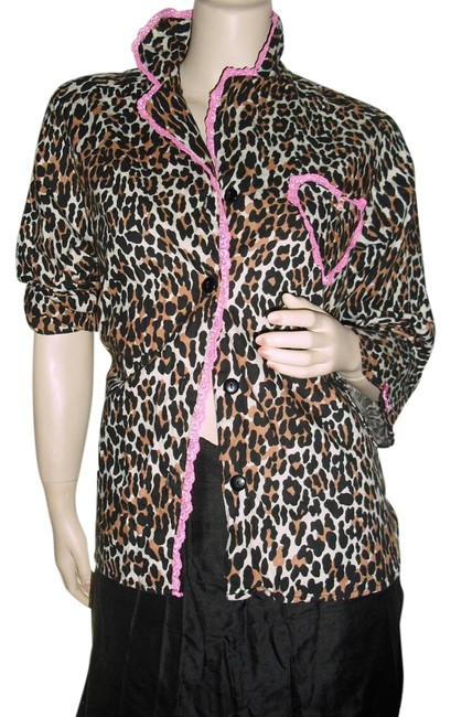 Preload https://img-static.tradesy.com/item/15979444/betsey-johnson-brown-black-pink-cheetah-print-heart-lace-trim-blouse-size-6-s-0-1-650-650.jpg