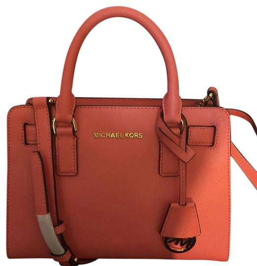 Preload https://img-static.tradesy.com/item/15979609/michael-kors-pinkgrafruit-leather-satchel-0-1-540-540.jpg