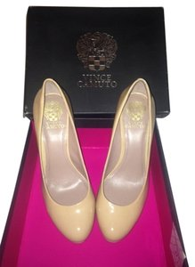 Vince Camuto Patent Leather Like New Nude Platforms