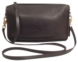 Coach Vintage Leather Wristlet Cross Body Bag