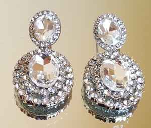 Gorgeous Round Sparkly Bridal Earrings Pierced