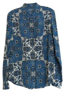 Equipment Top blue paisley print