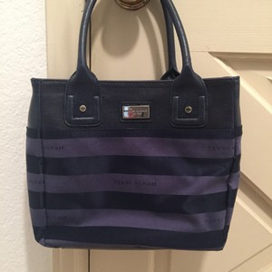 Tommy Hilfiger Satchel in Purple