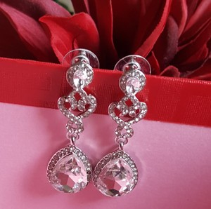 Bridal Tear Drop Earrings Silver Plated Pierced 2