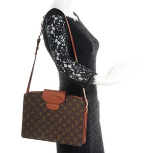Louis Vuitton Classic Flap Shoulder Bag