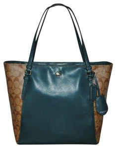 Coach Peyton Saffiano Leather Khaki Racing Green F30301 Tote in Khaki/Racing Green