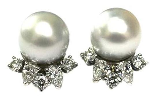 Preload https://item1.tradesy.com/images/white-timeless-south-see-studs-with-diamonds-earrings-15985255-0-1.jpg?width=440&height=440