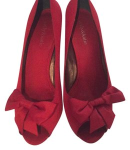 Kelly & Katie Red Pumps