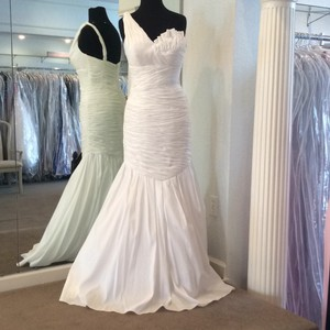 WOW White Taffeta Destination Wedding Dress Size 8 (M)