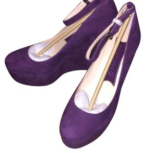 Boutique 9 Plum Wedges