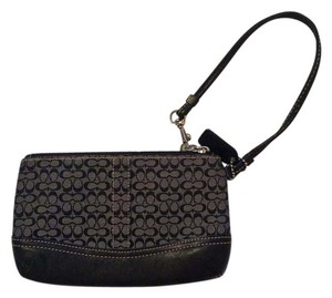 Coach Leather Classic Simple Wristlet in Black
