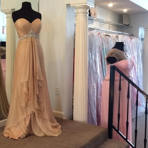 La Femme Nude Chiffon Destination Wedding Dress Size 8 (M)