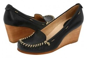 Frye Leather Comfort Cushioned Heel Moccassin-inspired Dark navy Wedges