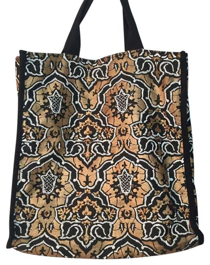 Preload https://item1.tradesy.com/images/beaded-handmade-canvas-beads-tote-15990385-0-1.jpg?width=440&height=440