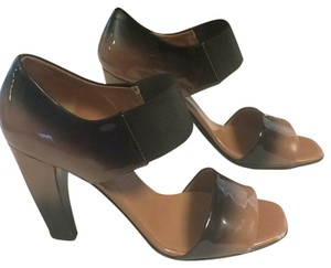 Prada Brown/beige/Carmel/black Pumps