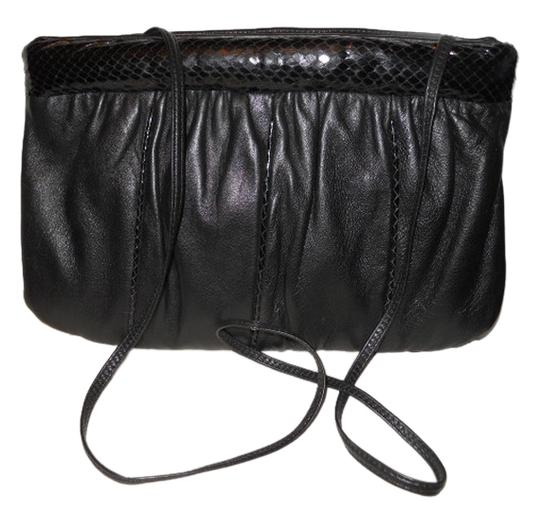 Other Leather Retro Shoulder Bag