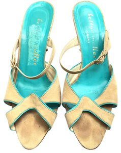 Bettye Muller Open Toe Turquoise Suede Beige Pumps