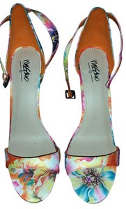 Mossimo Supply Co. Pink Blue Print floral Platforms