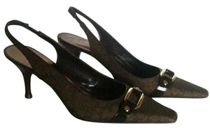 Entienne Aigner Brown Pumps
